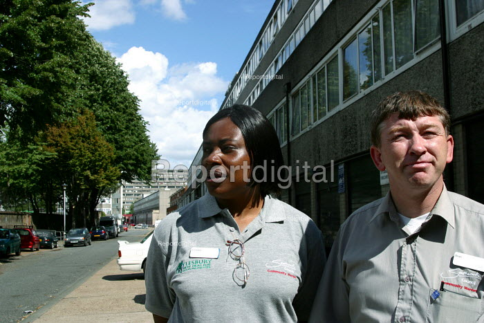 Community wardens on patrol - Joanne O'Brien - 20021024