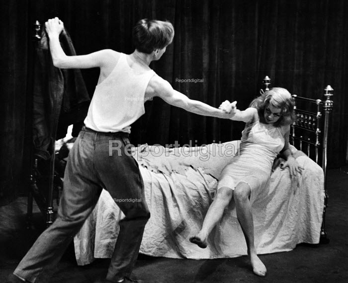 The Lyric Revue, Lyric Theatre, London, 1951, based on music by Noel Coward, Donald Swann and others. Actors, Ian Carmichael and Joan Heal in the Les Amants sketch. - Elisabeth Chat and Inge Morath - 1951-05-24