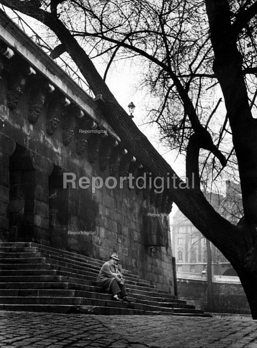 Belgian writer, Georges Simenon, in Paris, 1947. - Inge Morath - 1947-03-22