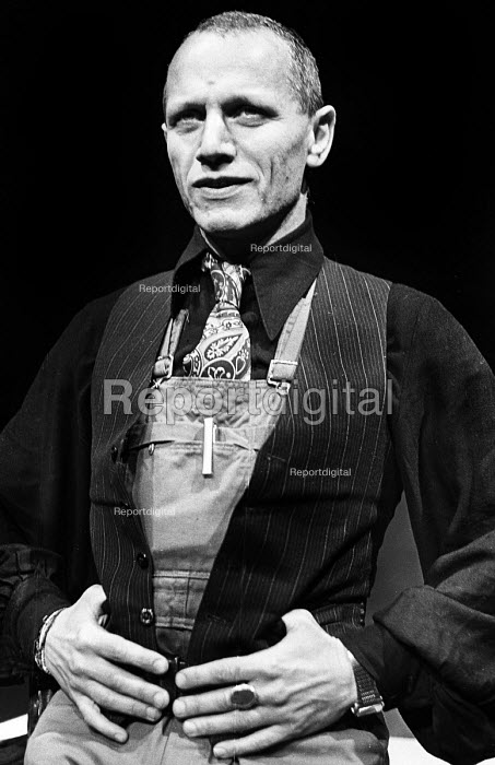 Steven Berkoff directing and starring in Greek, The Half Moon Theatre, London, 1980. - Ian McIntosh - 1980-02-12