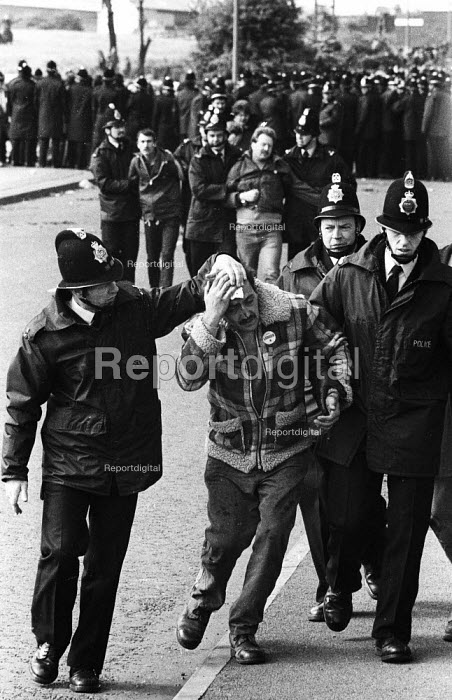 Striking miners injured and arrested during a mass picket of the Orgreave coking plant during the miners' strike - John Harris - 1984-05-28
