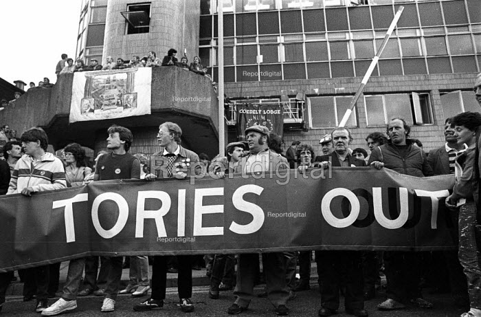 Welsh miners occupying the NUM headquarters, Pontypridd, South Wales, 1984 in an attempt to prevent the authorities gaining access to sequestrate the Unions funds, Miners Strike - John Harris - 1984-08-01