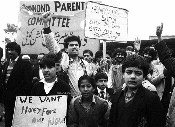 Asian parents and pupils No Confidence protest, Drummond School, Bradford 1985, the Asian community perceived headteacher, Ray Honeyford as making racist remarks about his pupils. - John Harris - 1985-09-11