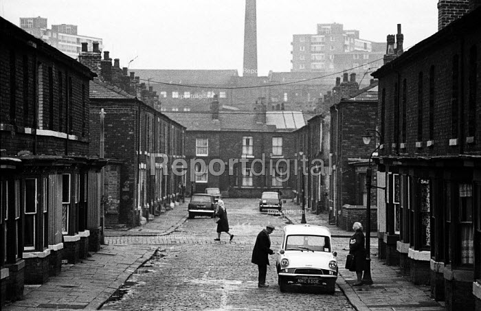 Housing conditions in Liverpool in the mid-1970s - John Sturrock - 1974-11-06