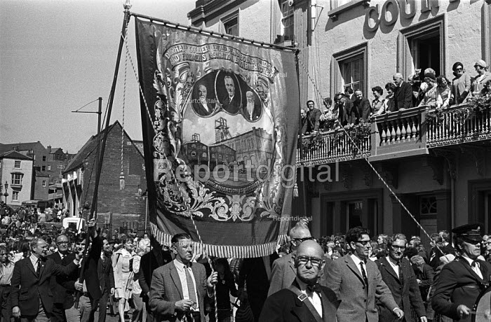 Durham Miners Gala, 1974. Miners and their families march into Durham city to take part in the annual Big Meeting. - John Sturrock - 1974-07-14