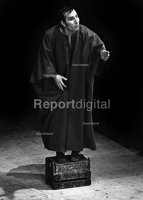 Pete Postlethwaite in Corialanus by Bertolt Brecht, adapted from Shakespeare, Everyman Theatre, Liverpool,1975. This was the British premiere of the play as staged in English; the only other production having been in Germany in Berlin in 1965. - John Sturrock - 1975-04-16
