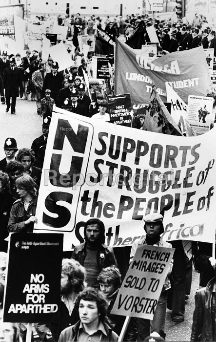Soweto Anniversary demonstration: demonstrators march through central London to mark the first anniversary of the Soweto Uprising in apartheid South Africa. The march was organised by the NUS and National Union of School Students. - John Sturrock - 1977-06-18
