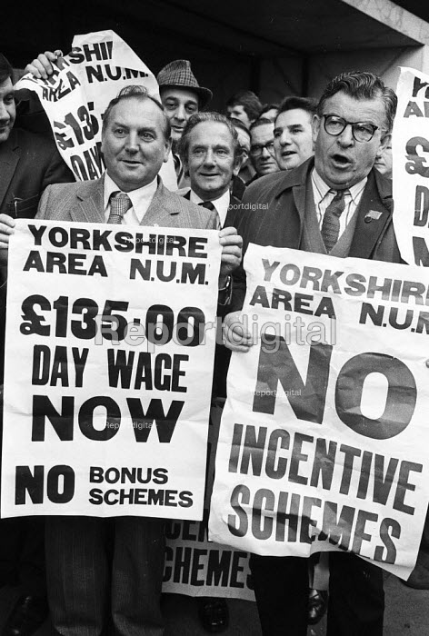 Yorkshire miners lobby NUM headquarters seeking Executive support for a standard day rate and no incentive schemes, London, 1977. - John Sturrock - 1977-10-13