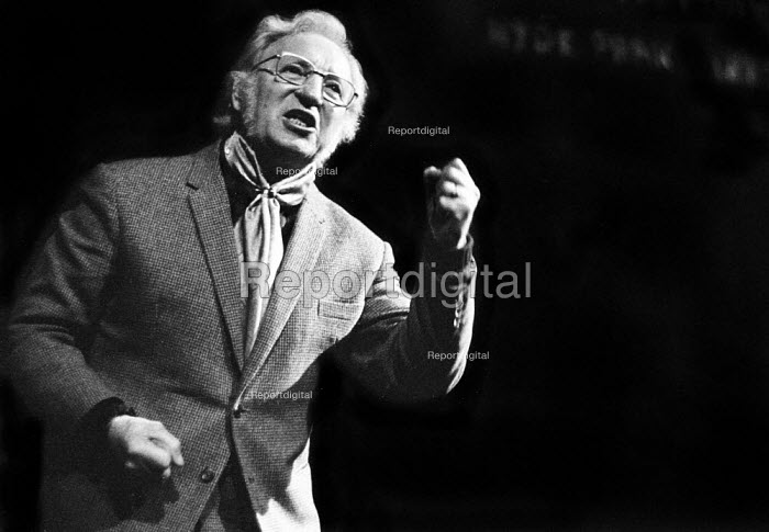 Ex-docker and trade union leader Jack Dash starring in the play Get Off My Back written by Johnnie Quarrell, Half Moon Theatre, London, 1973 - Peter Harrap - 1973-10-16