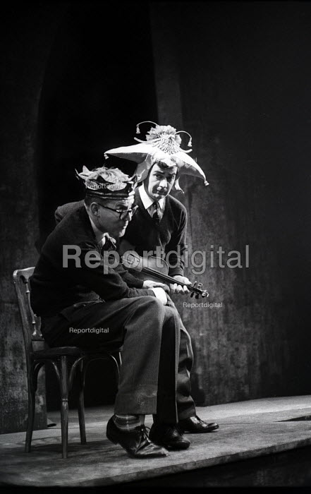 Alan Bennett & Dudley Moore playing the 'rustics' from 'The End Of The World' sketch, written by Peter Cook, in a performance from the Beyond The Fringe show at the Fortune Theatre in London in 1961. .... - Romano Cagnoni - 1961-06-11