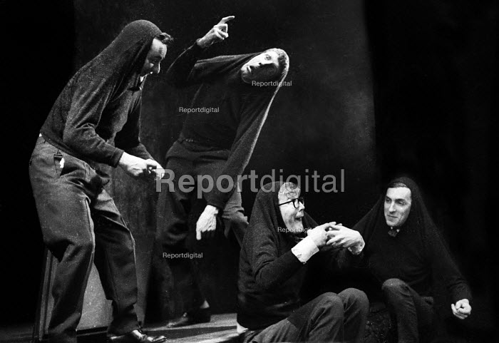 Alan Bennett, Dudley Moore, Jonathan Miller & Peter Cook playing the rustics from The End Of The World sketch, written by Peter Cook, in a performance from the Beyond The Fringe show at the Fortune Theatre in London in 1961. .... - Romano Cagnoni - 1961-06-11