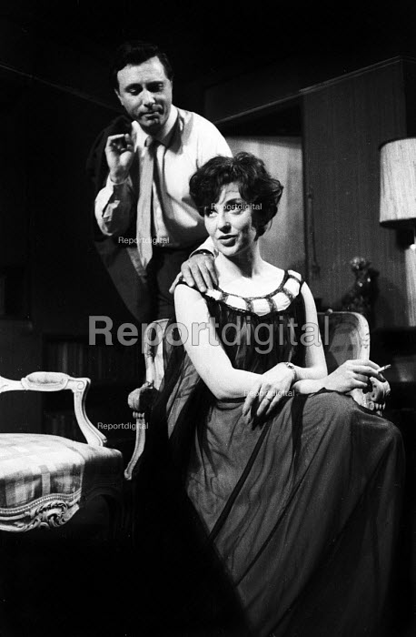 Harold Pinter's play: The Lovers at the Arts Theatre in London in 1963, starring Scott Forbes & Vivien Merchant. - Romano Cagnoni - 1963-09-18