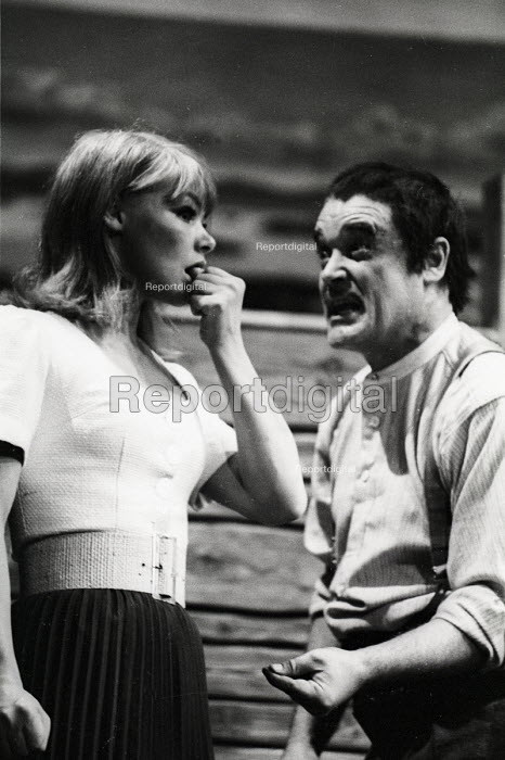 An early stage role for Glenda Jackson in Puntilla & His Servant Matti by Bertolt Brecht, staged by the RSC at the Aldwych Theatre in London in 1965. - Romano Cagnoni - 1965-07-02