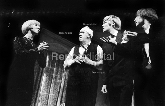 LOOT written by Joe Orton and staged at the Jeanette Cochrane Theatre in Holborn in London in 1966. Starring Sheila Ballantine, Gerry Duggan, Simon Ward and Kenneth Cranham. - Romano Cagnoni - 1966-09-27
