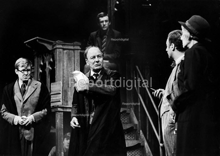 Forty Years On written by Alan Bennett, staged at the Apollo Theatre in London, 1968. With, L to R: ALan Bennett, John Gielgud, Paul Eddington and Dorothy Reynolds - Romano Cagnoni - 1968-10-24