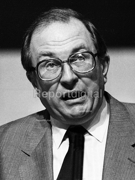 Jack Eccles, giving his Presidential Address to the Trade Union Congress in 1985 - Stefano Cagnoni - 1985-09-02