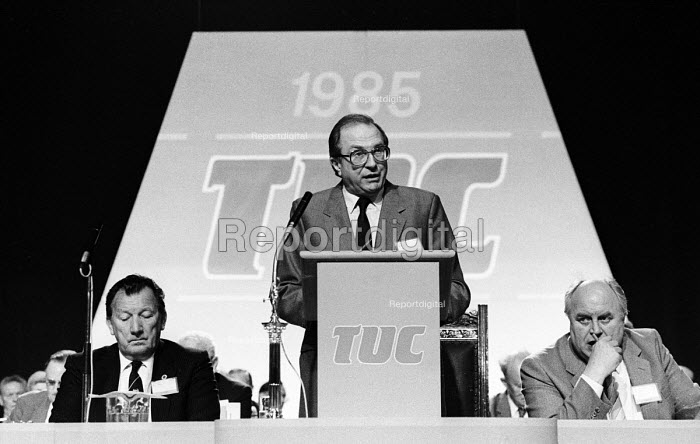 Jack Eccles Presidential Address, TUC conference1985, Ray Buckton ASLEF (R) & Norman Willis, Gen Sec of the TUC. - Stefano Cagnoni - 1985-09-02