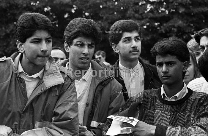Asian youth rally to defend the black and ethnic minority community from racist attacks, Leytonstone, London 1985 - Stefano Cagnoni - 1985-10-19