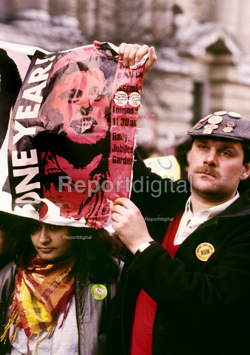One year into the MIners Strike of 1984-85, a striking miner joins a rally in London against Government attacks on local democracy - Stefano Cagnoni - 1985-03-06