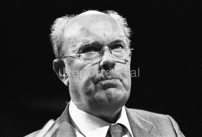 Les Wood of UCAAT speaking at TUC Congress in 1985. - Stefano Cagnoni - 1985-09-06