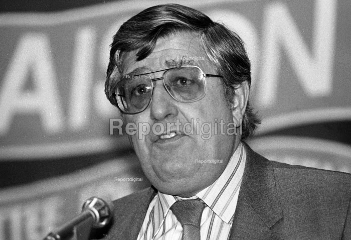 Alf Parrish of the NGA speaking at an LCDTU meeting in 1986. - Stefano Cagnoni - 1986-03-08