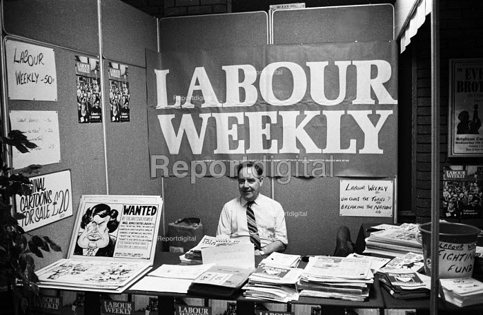 Labour Weekly exhibition stand staffed by ex-MP, George Rodgers, Labour Party Conference, Blackpool, 1987. - Stefano Cagnoni - 1987-10-01