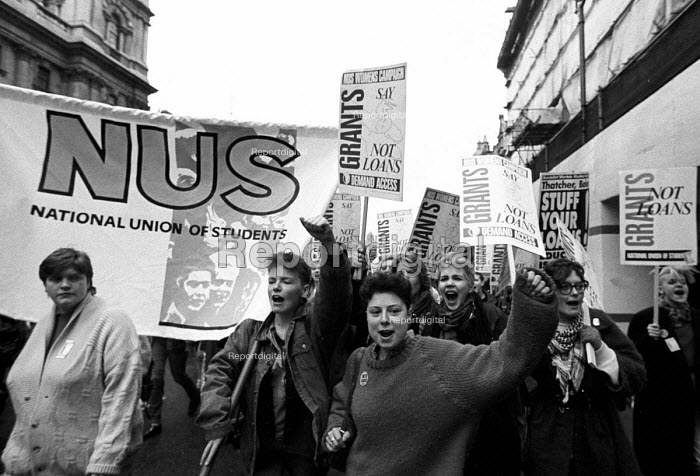 NUS demonstration against the introduction of loans in replace of grants for students through university education, London 1989. - Stefano Cagnoni - 1989-02-25