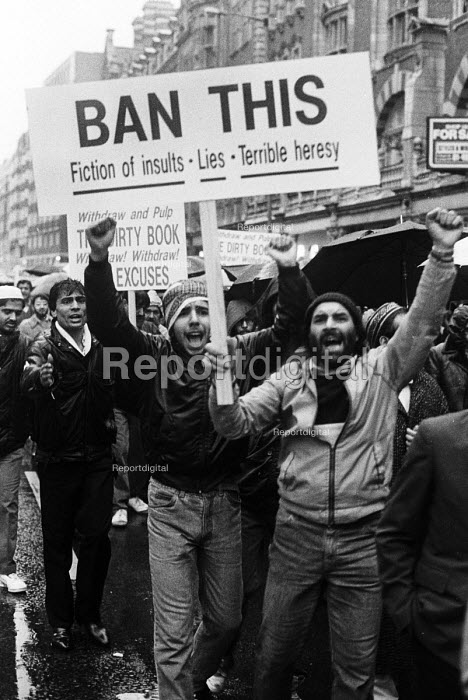British muslems protest against the publication of Satanic Verses written by Salman Rushdie, considered by many to be a heresy against Islam, London 1989. - Stefano Cagnoni - 1989-01-28