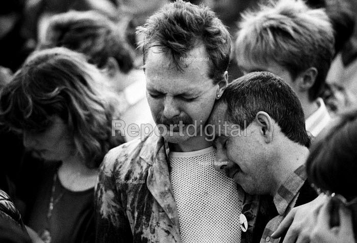 Candlelit vigil for victims of the AIDs virus in Trafalgar Square, London 1986 - Simon Grossett - 1986-05-25