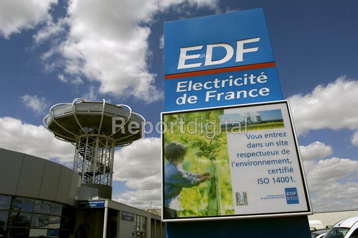 EDF nuclear power plant at Saint Laurent des Eaux. EDF sign at the entrance to the site - Pierre GLEIZES - 2005-07-05