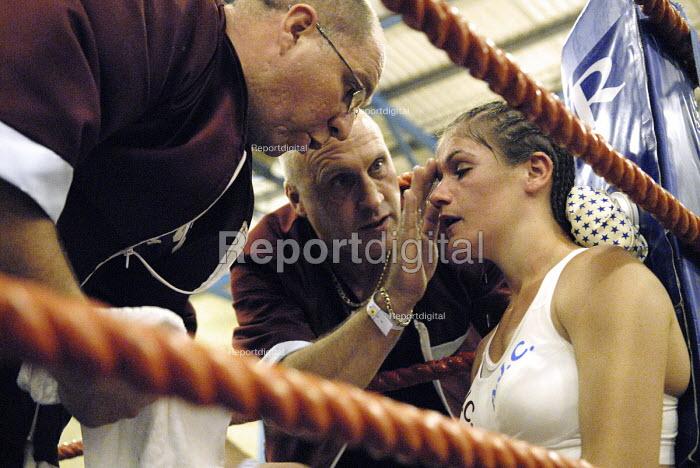 Boxer Shanee Martin, boxing match against Juliette Winters for the British Masters Female Super Flyweight title, Goresbrook Leisure Centre, Dagenham, London. - Rogan Macdonald - 2006-07-23