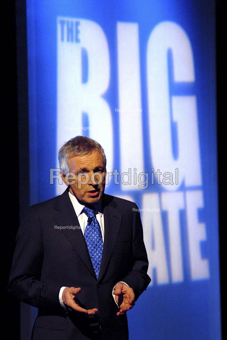 Jonathan Dimbleby hosts 'The Big Debate,' made for Teachers TV. In which they discuss the future of primary school teaching. - Rogan Macdonald - 2007-02-01