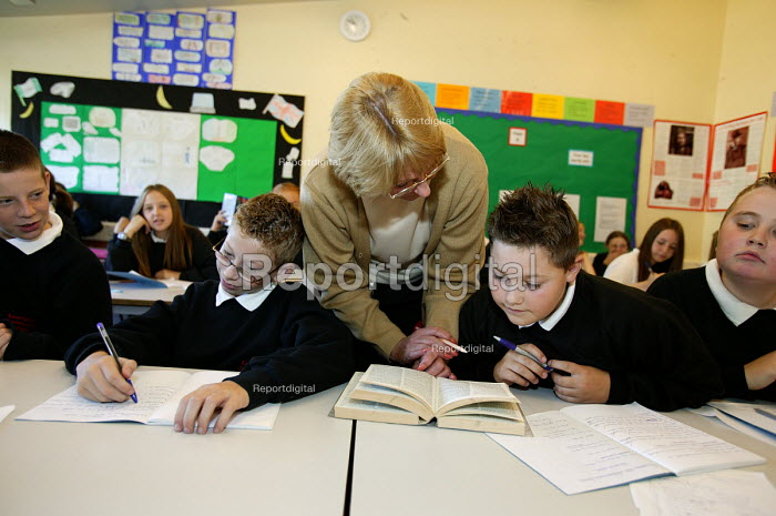 English lesson, Easington Community School, County Durham - Roy Peters, RP411300.jpg