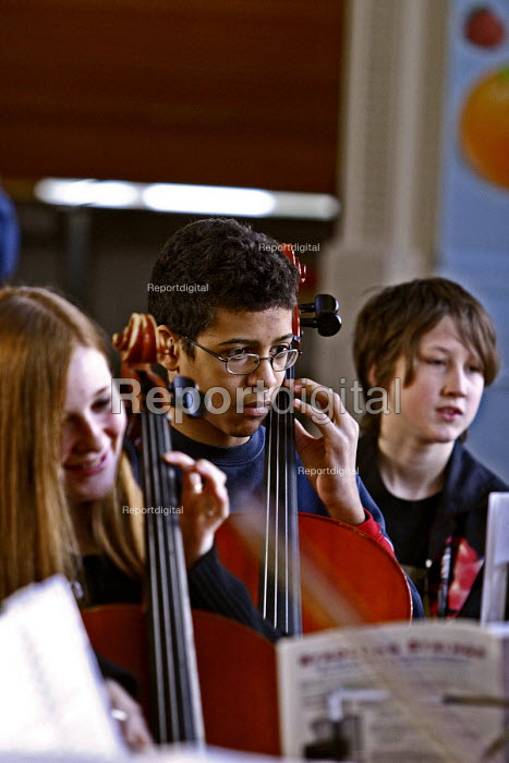 Pupils playing, Sandwell Youth Music Service. - Roy Peters, RP411409.jpg