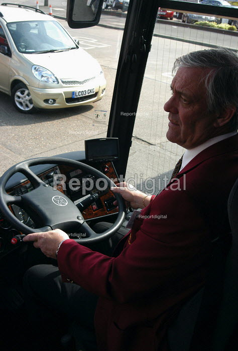 Coach driver at the wheel of his vehicle - Stefano Cagnoni - 2005-04-24