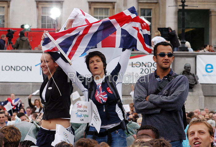 Londoners celebrate in Trafalgar Square at the awarding of the 2012 Olympics to their city - Stefano Cagnoni - 2005-07-06