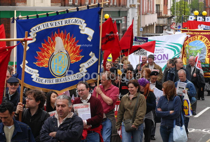 Fire Brigade Union members join the TUC May Day march through central London. - Stefano Cagnoni - 2006-05-01