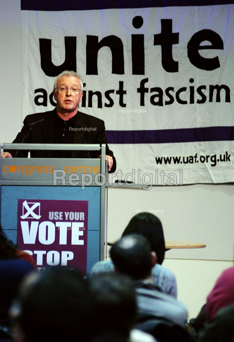 Keith Sonnet, Deputy General Secretary of UNISON, speaking at the Unite Against Fascism national conference launching the campaign against the BNP in 2006 - Stefano Cagnoni - 2006-02-18