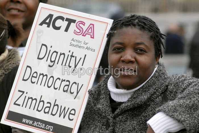 ACTSA demonstration in Trafalgar Square on International Women's Day, calling for dignity for women and democracy for all in Zimbabwe and an end to Robert Mugabe's repressive regime - Stefano Cagnoni - 2008-03-08