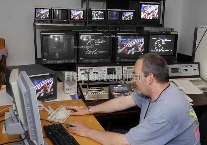Video editor at work at LWT studios, South Bank, London - Stefano Cagnoni - 2008-06-23