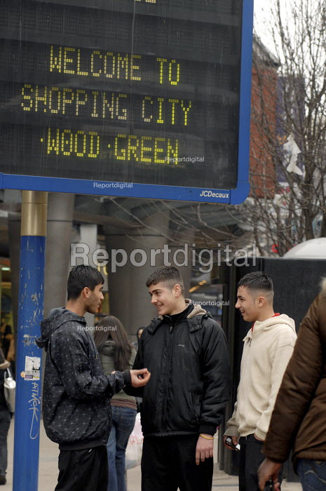 Teenagers from Haringey's multi-cultural Greek & Turkish community hanging out near the Shopping Centre in Wood Green - Stefano Cagnoni - 2008-02-14
