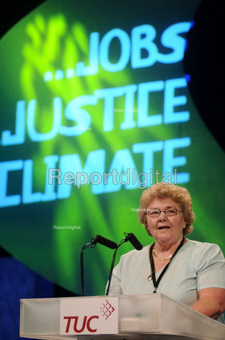 Sheila Bearcroft GMB, delivering her Presidential address, at the 2009 Congress in Liverpool - Stefano Cagnoni - 2009-09-17