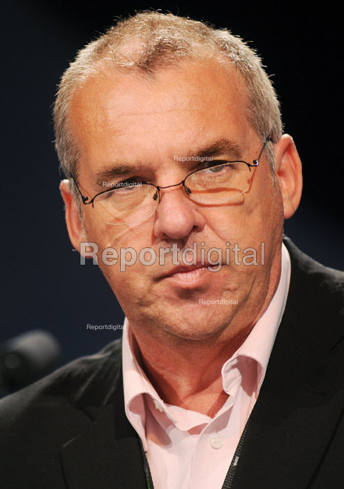 Reg Allen of BALPA speaking at the 2009 TUC in Liverpool - Stefano Cagnoni - 2009-09-17