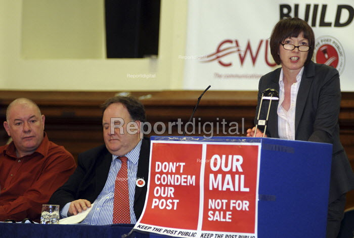 Frances O'Grady, Deputy General Secretary of the TUC, speaking at a CWU rally protesting against Government plans to privatise the Post Office - Stefano Cagnoni - 2010-10-23