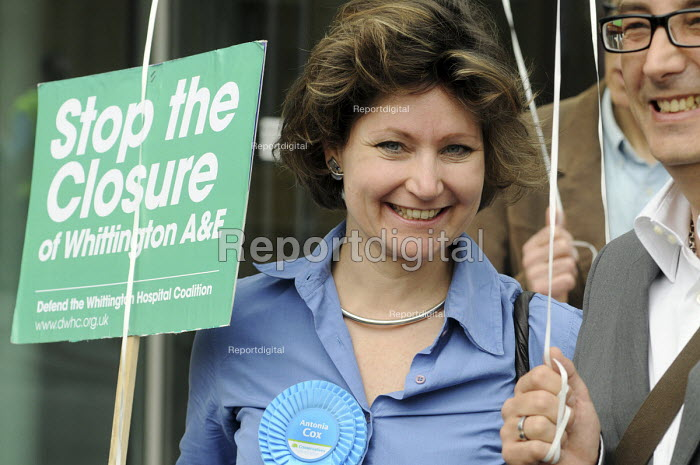 Antonia Cox, prospective candidate for the Conservative Party in Islington South in the 2010 General Election joins Protestors at a rally at The Whittington Hospital in north London, against the closure of the A&E & Maternity Departments. - Stefano Cagnoni - 2010-04-29