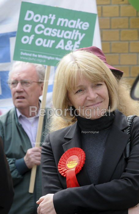 Karen Jennings, UNISON official & candidate for the Labour Party in Hornsey & Wood Green in the 2010 General Election joins Protestors at a rally at The Whittington Hospital in north London, against the closure of the A&E & Maternity Departments. - Stefano Cagnoni - 2010-04-29