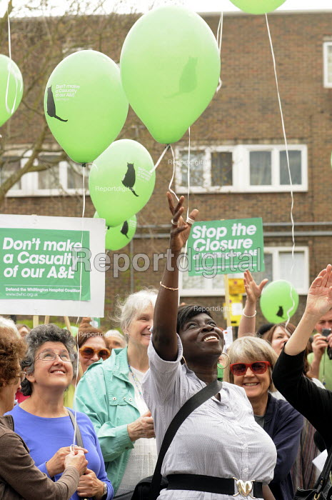 Protestors release their balloons at a rally at The Whittington Hospital in north London against the closure of A&E and Maternity Departments. - Stefano Cagnoni - 2010-04-29