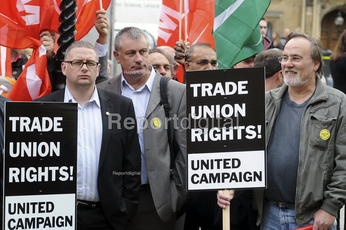 Workers and trade union members demonstrate opposite the House of Commons before lobbying MPs in favour of The Lawful Industrial Action Bill which seeks to protect Trade Union rights. - Stefano Cagnoni - 2010-10-13