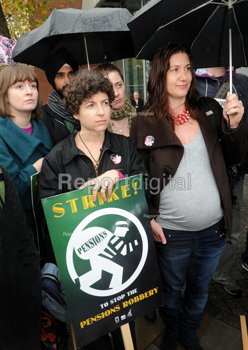 NUJ members on the picket line at Television Centre, on the first day of a 48 hour strike by BBC workers in defence of their staff pensions. One woman stands on the picket line in an advanced stage of pregnancy - Stefano Cagnoni - 2010-11-05