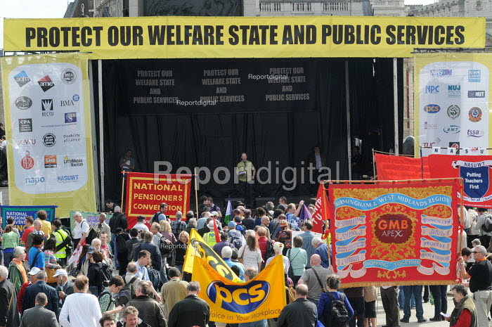 Tony Conway of PCS speaking at the rally in Trafalgar Square in support of the welfare state and continued state investment in public services and against any cuts in provision - Stefano Cagnoni - 2010-04-10